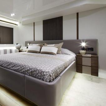 Pearl 65 Master Cabin
